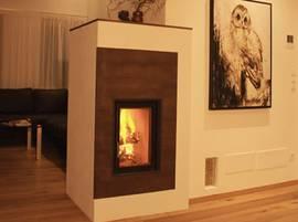 Ofen Als Raumteiler moderne speicheröfen mit sichtfenster tunnelofen als raumteiler